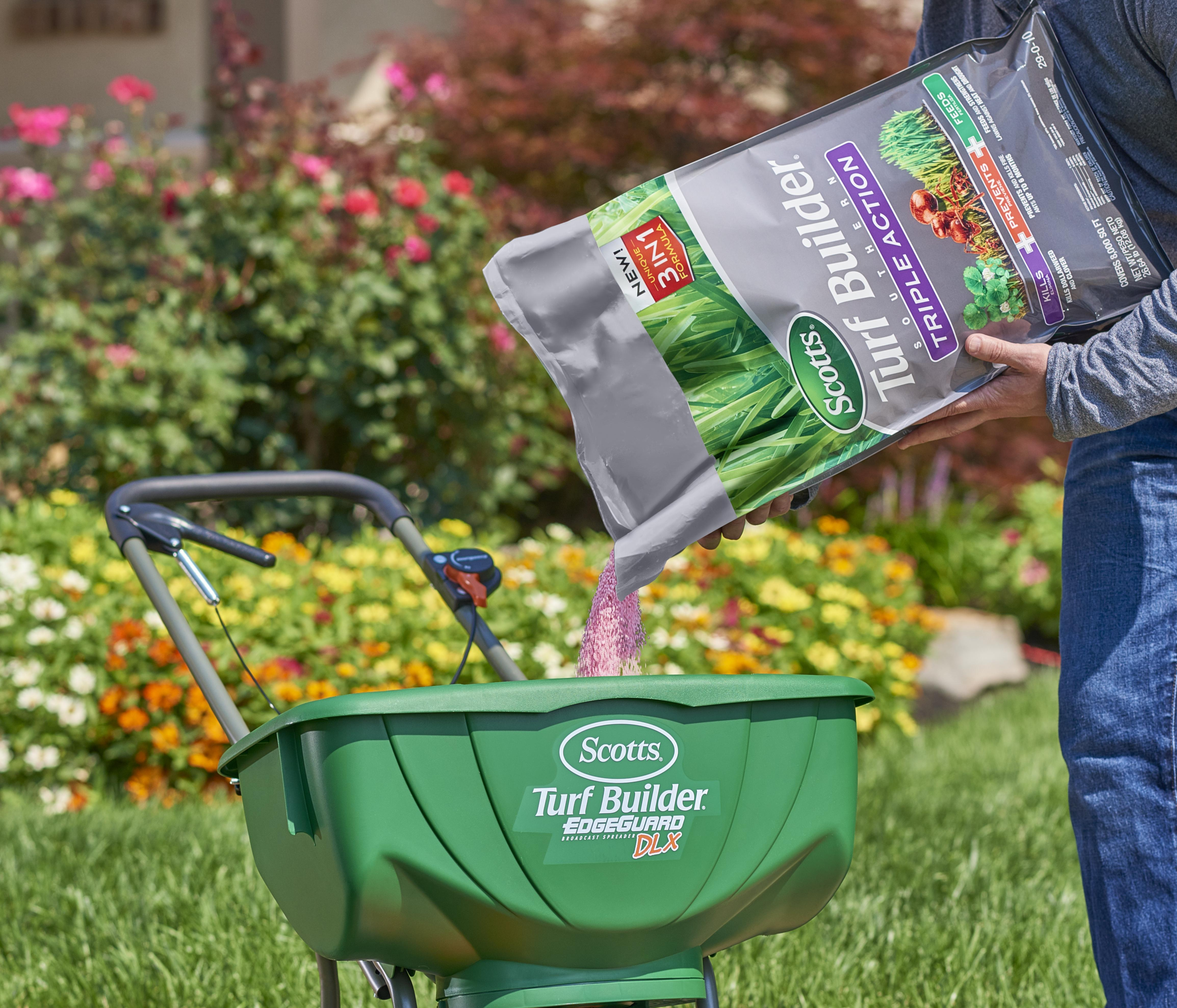 Triple Action South: Weed killer and fertilizer for Southern lawns that kills fire ants